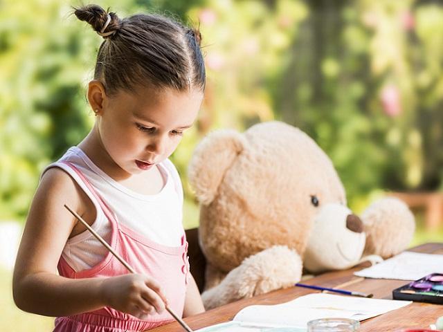 孩子有隱形好朋友,該擔心嗎? 關於假想友伴imaginary companion,家長應該知道的事...