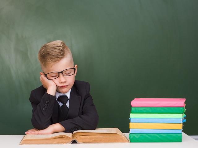 別讓孩子成為暑期公務員!如何安排小孩的暑假生活?掌握「一核心」、「兩興趣」、「三閒置」的原則