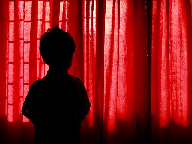 紅衣小女孩?小孩看到鬼?大人心驚驚!該如何做才能求心安?